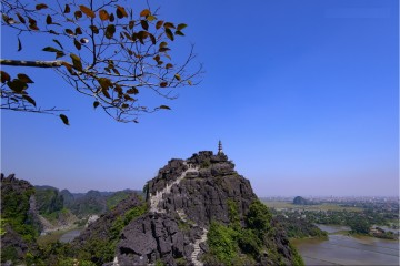 Mua Caves is worth being visited in Ninh Binh